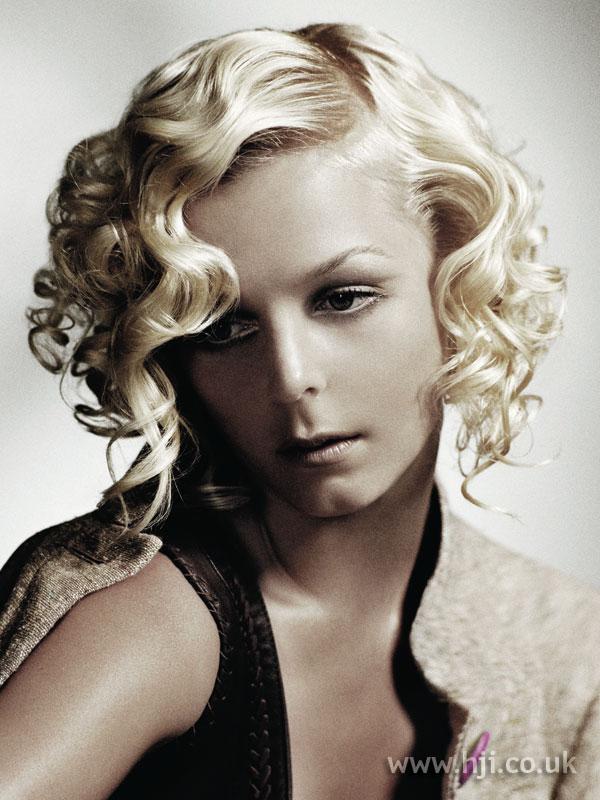2007 blonde curls8