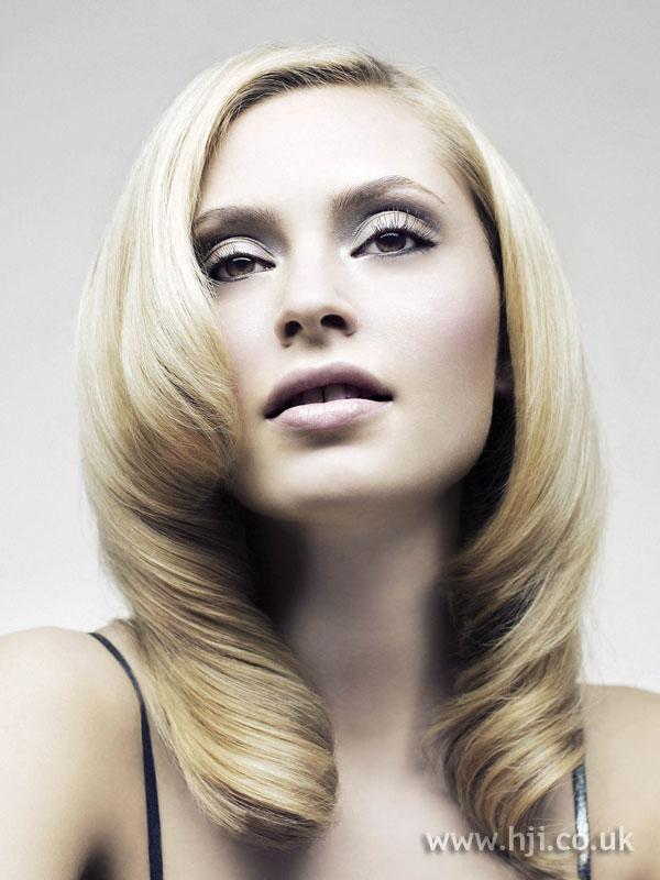 2007 blonde rolls
