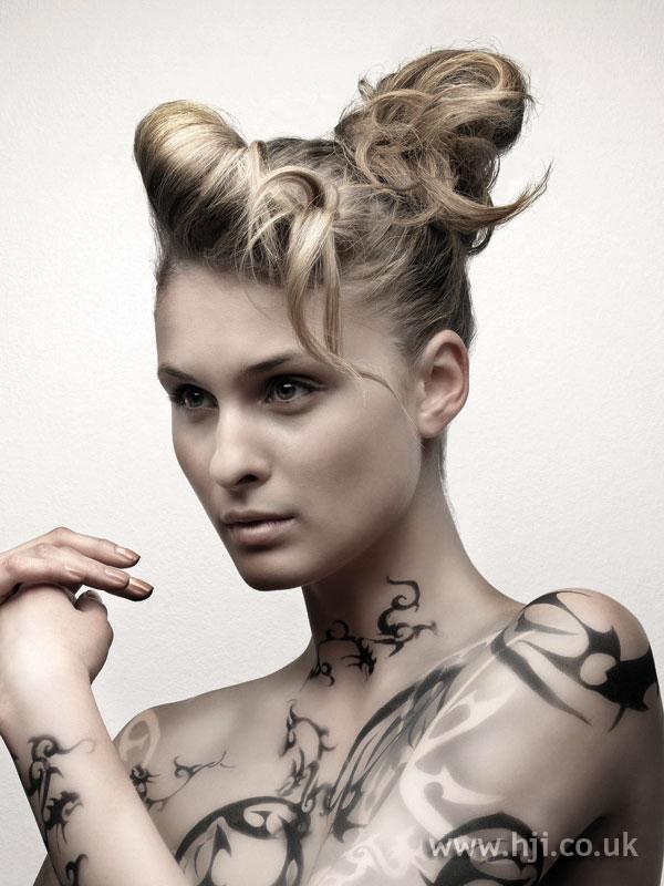 2007 blonde updo1