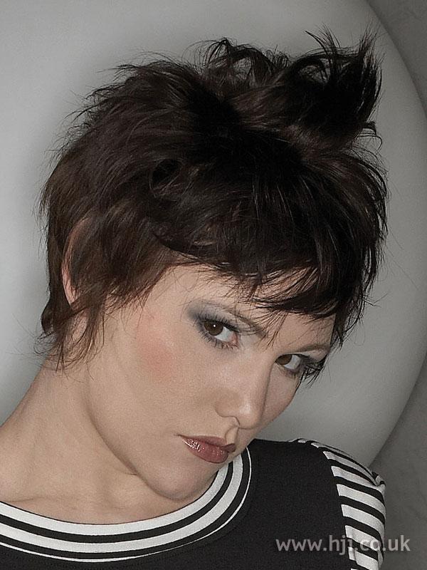2007 brunette messy1