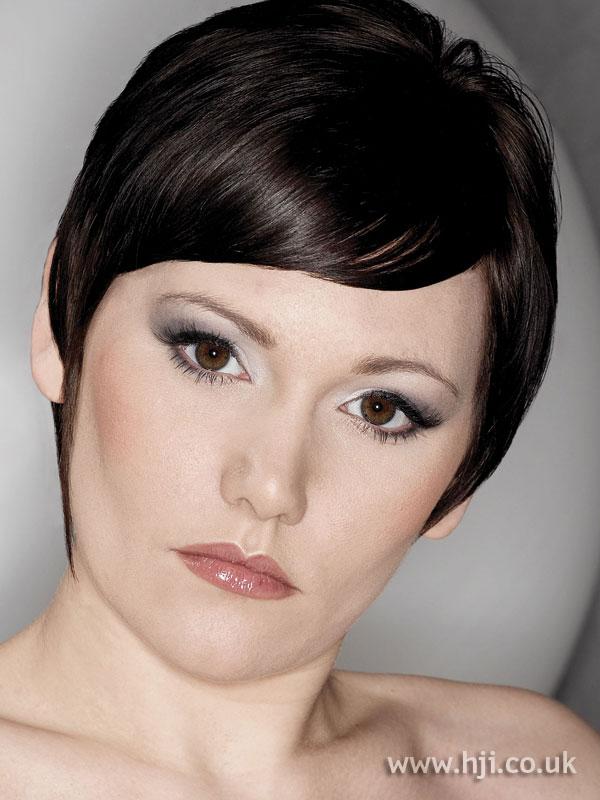 2007 brunette neat