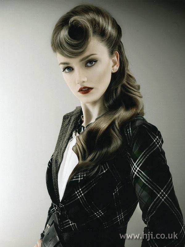 2007 brunette quiff5