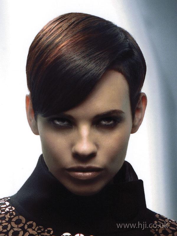 2007 brunette short3