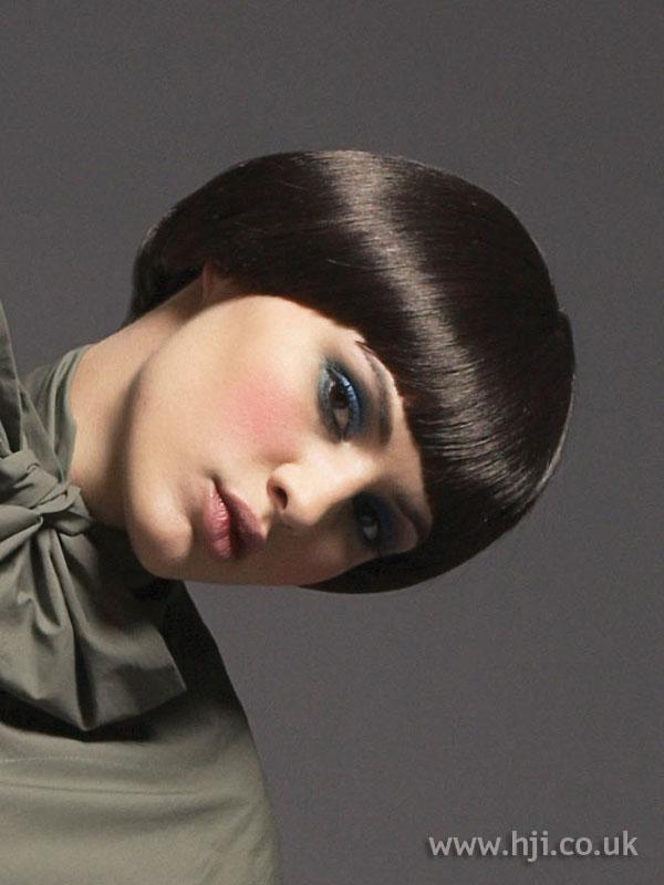 2007 gloss brunette1