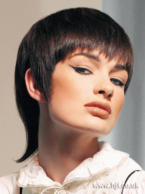 2007 shaped brunette1