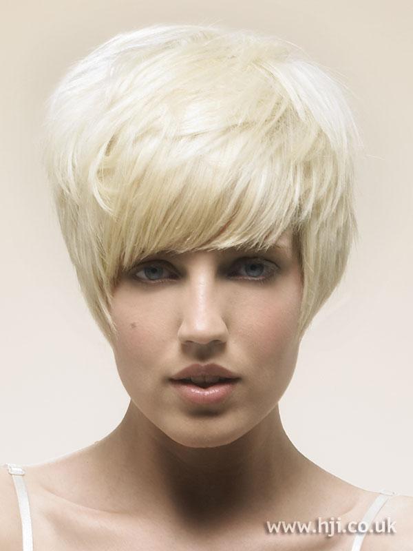 2007 short blonde3