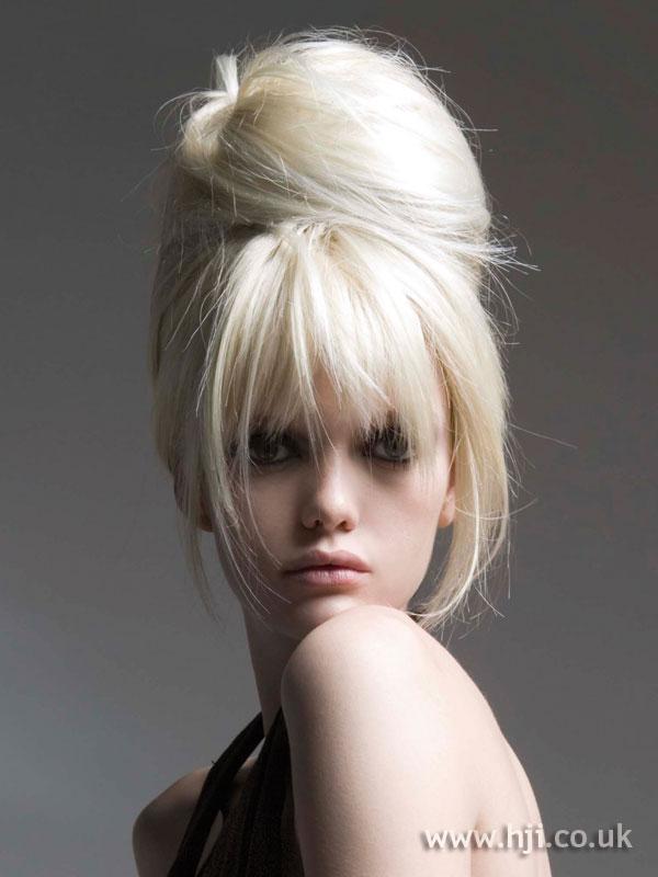 2007 tall blonde1