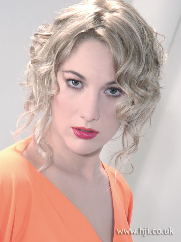 2008 blonde curls14