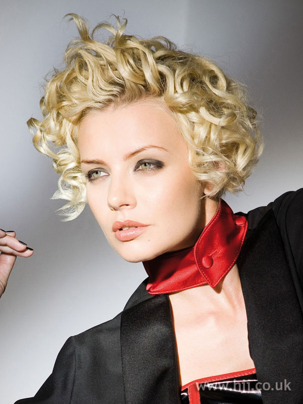 2008 blonde curls27