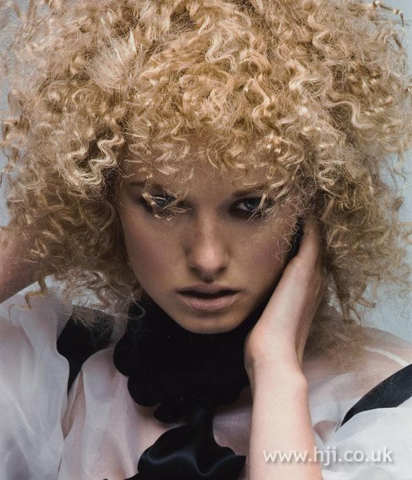 2008 blonde curls29