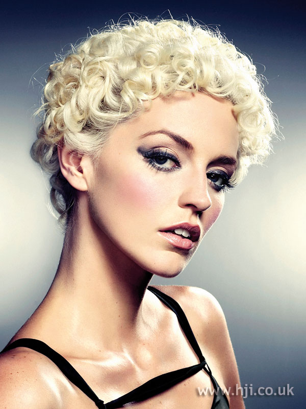 2008 blonde curls3