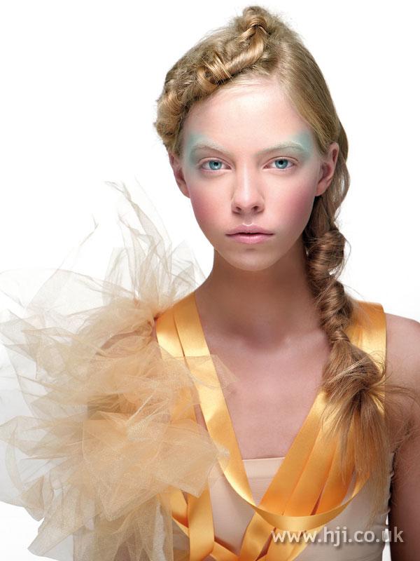 2008 blonde ponytail