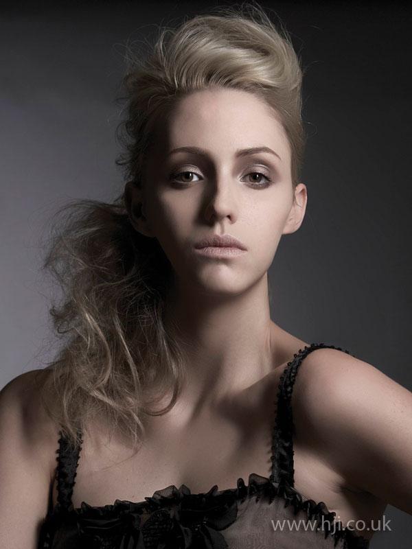 2008 blonde quiff4