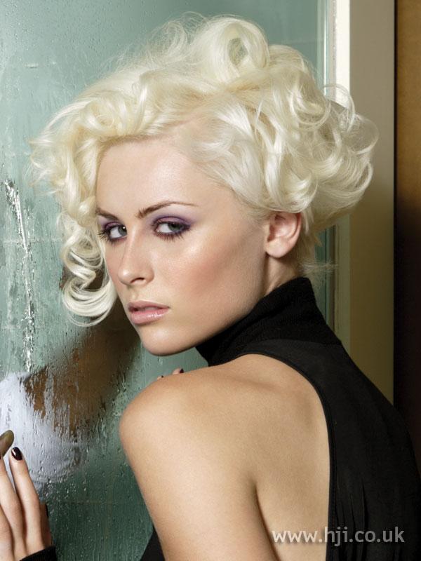 2008 blonde updo4