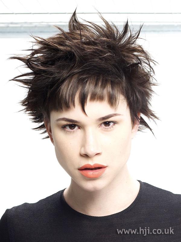 2008 brunette messy