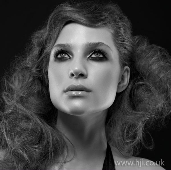 2008 curls brunette
