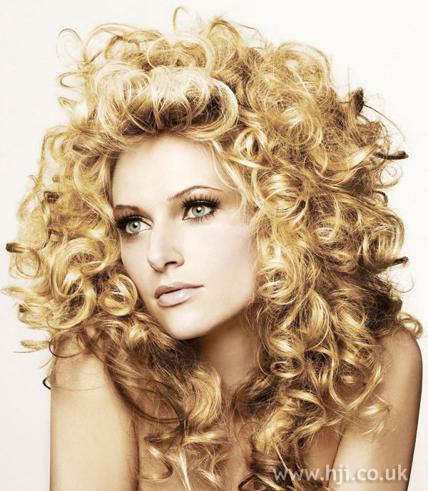 2008 glossy curls2