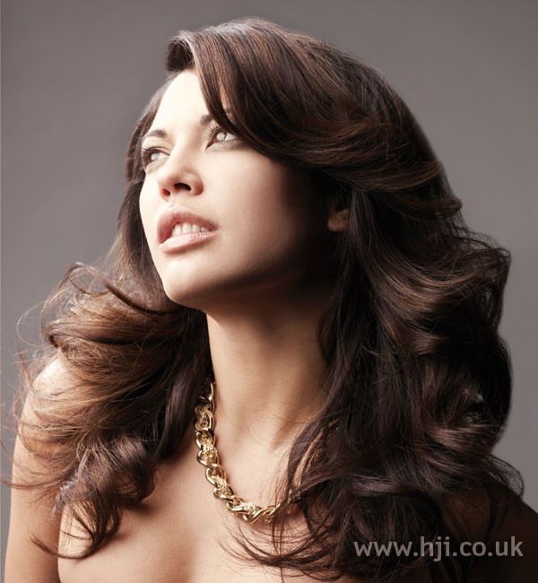 2008 long brunette1