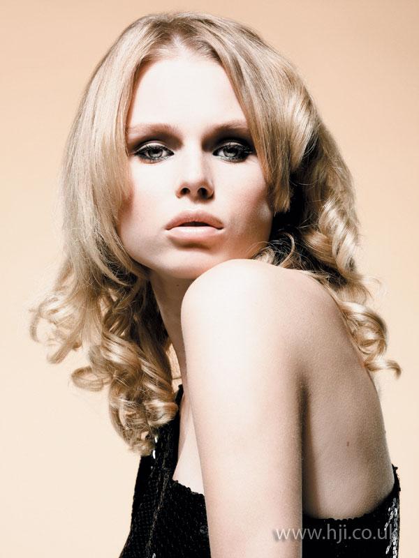2008 long curls7