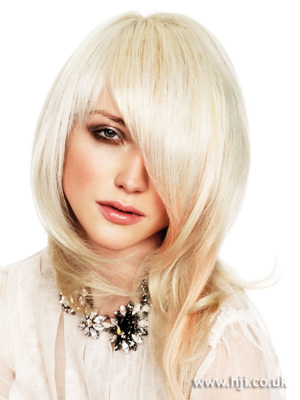 2009 asymmetric blonde