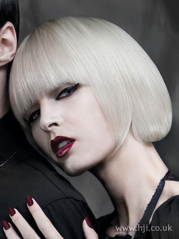 2009 blonde bob2