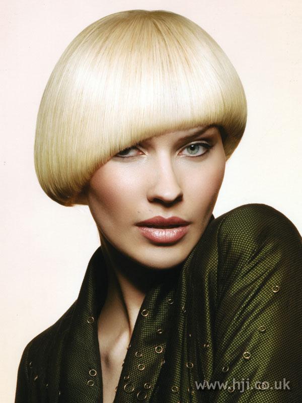 2009 blonde bob3