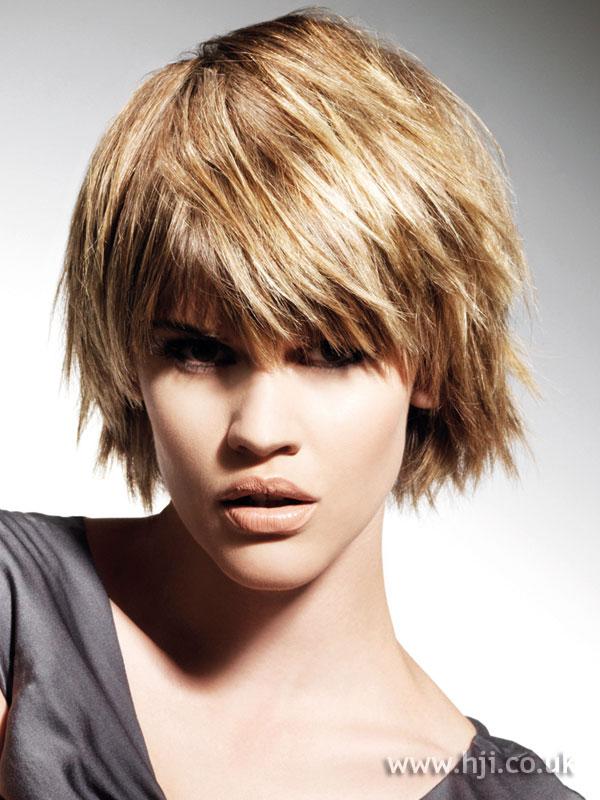 2009 blonde bob hairstyle