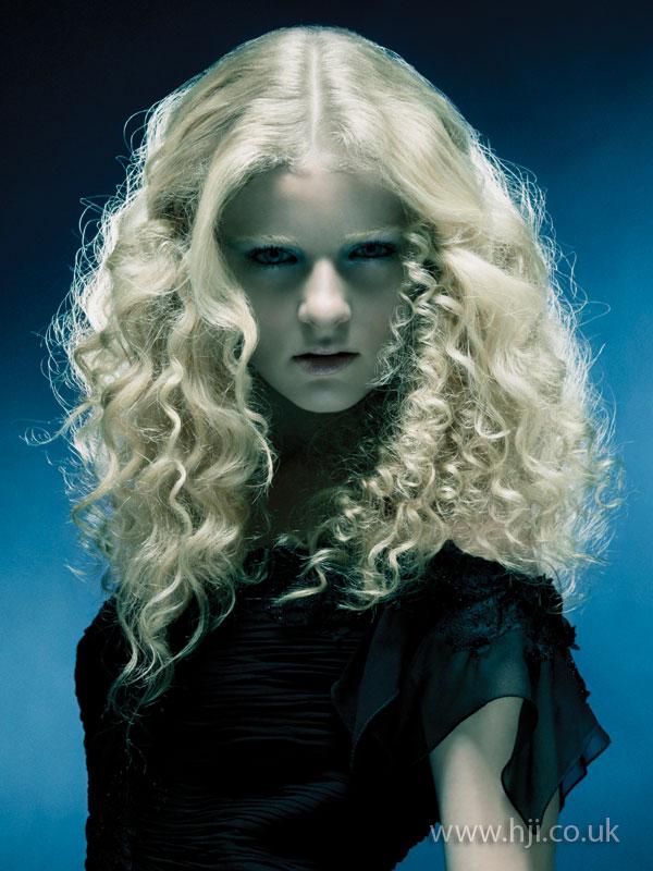 2009 blonde curled