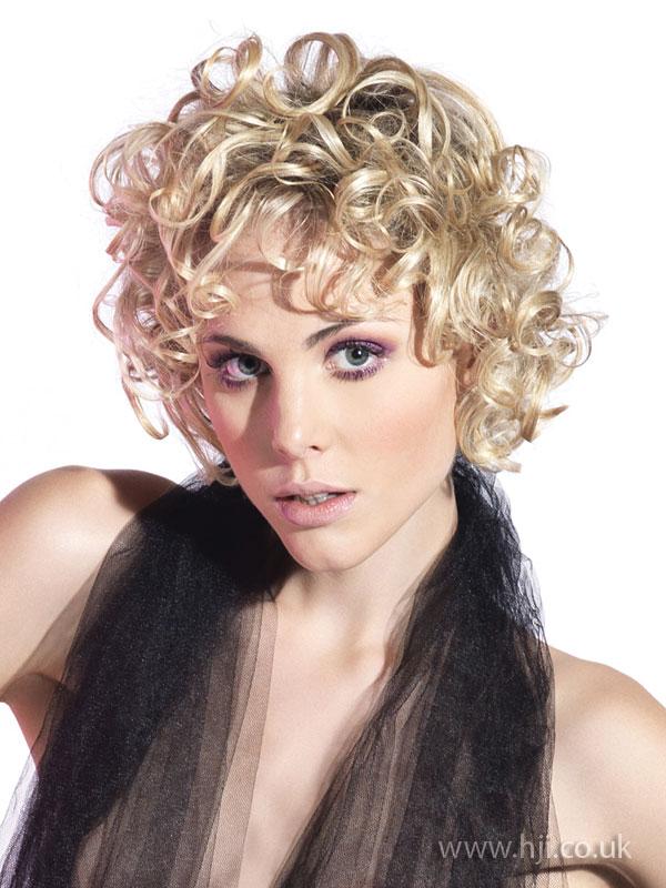 2009 blonde curls11
