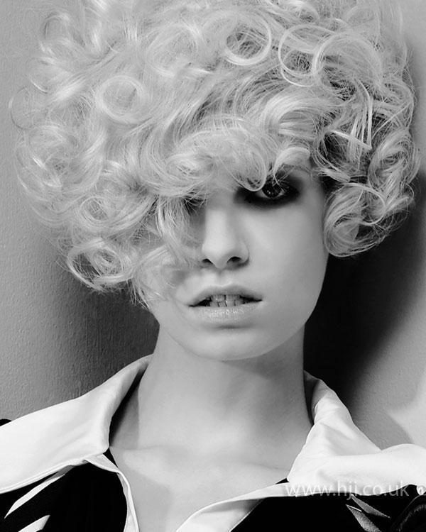2009 blonde curls9