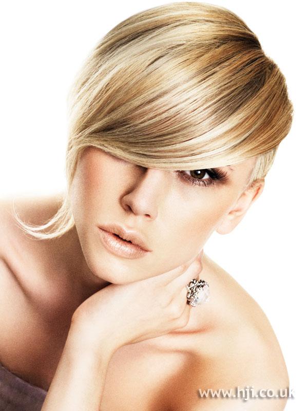 2009 blonde fringe2