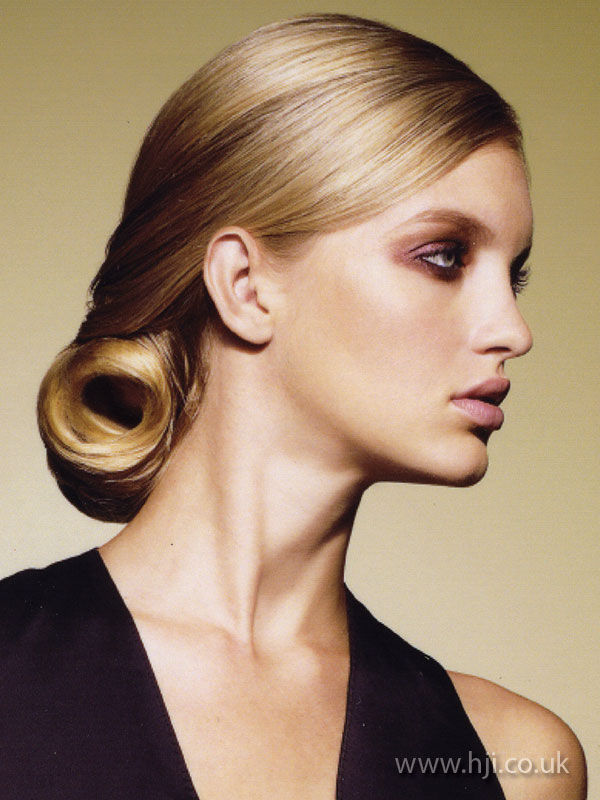 2009 blonde glossy1