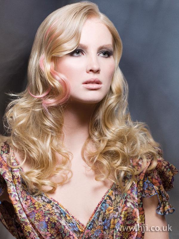 2009 blonde pink