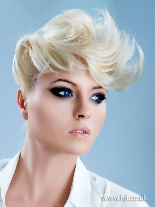 2009 blonde quiff