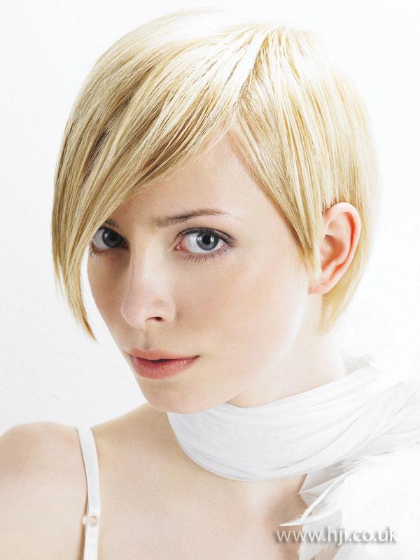 2009 blonde short