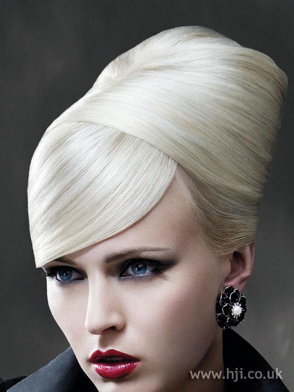 2009 blonde updo4