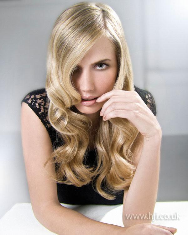 2009 blonde waves