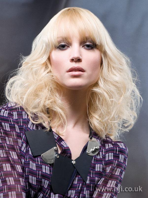 2009 blonde wavy