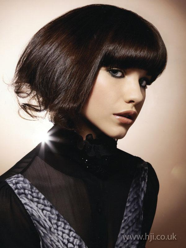2009 brunette bob