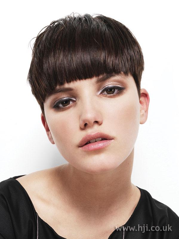 2009 brunette cropped1