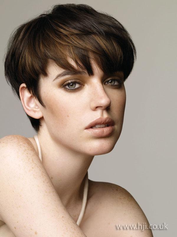 2009 brunette cropped2