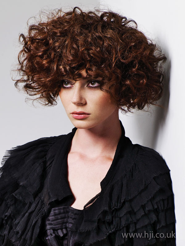 2009 brunette curls2