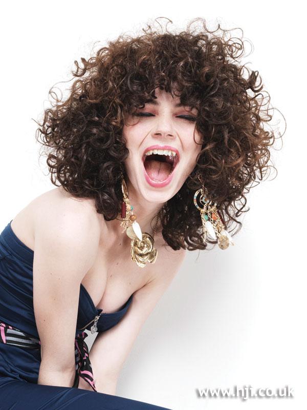 2009 brunette curls3