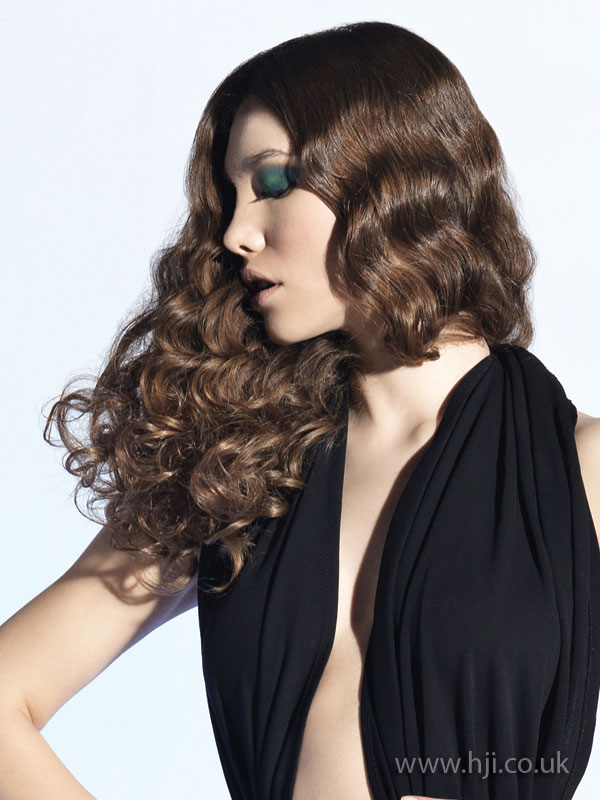 2009 brunette curls5