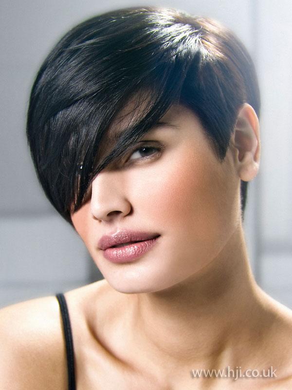 2009 brunette short1