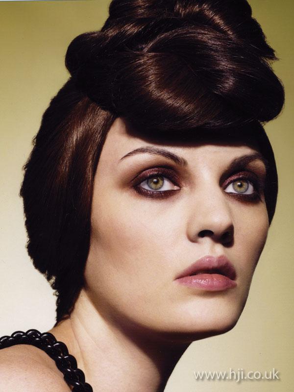 2009 brunette updo2
