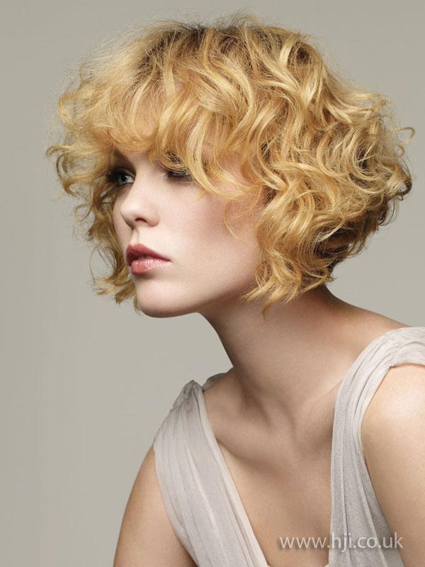 2009 curls bob