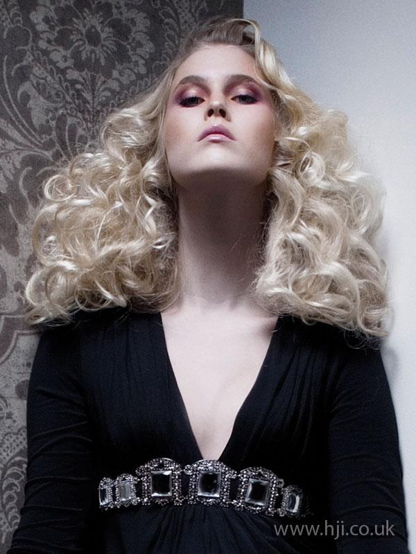 2009 curls volume1