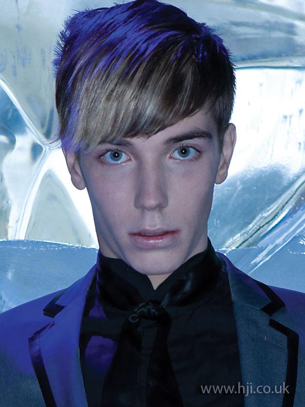 2009 fringe blonde