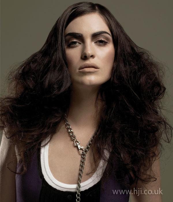 2009 heavy brunette